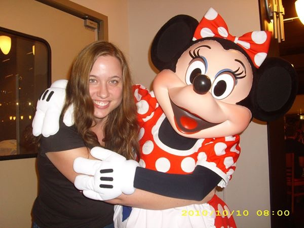 JL with Minnie Mouse at Chef MIckey's 2010